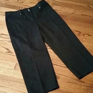 NWOT Chico's Black Capri Pants